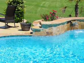 Kerti medence építés: strandoljon korlátok nélkül!